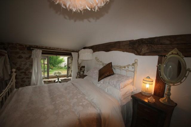 vente maison r nov e avec deux chambres et une belle grange. Black Bedroom Furniture Sets. Home Design Ideas